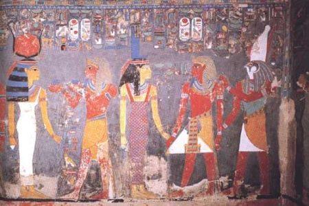 Las estatuas dañadas de Horemheb y su esposa